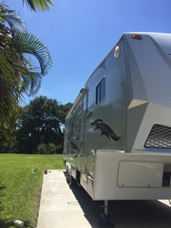 Mobile marine and RV detailing